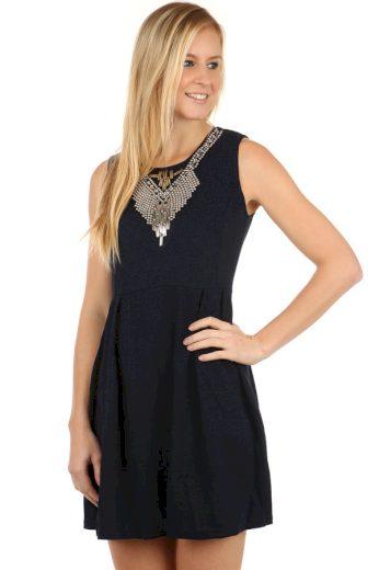Glara Krátké dámské áčkové šaty s aplikací 97793