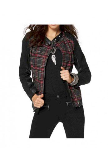 Laura Scott, kostkovaná bunda biker styl