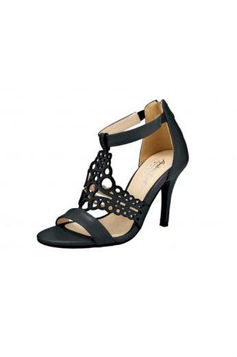 Andrea Conti, černé letní sandálky