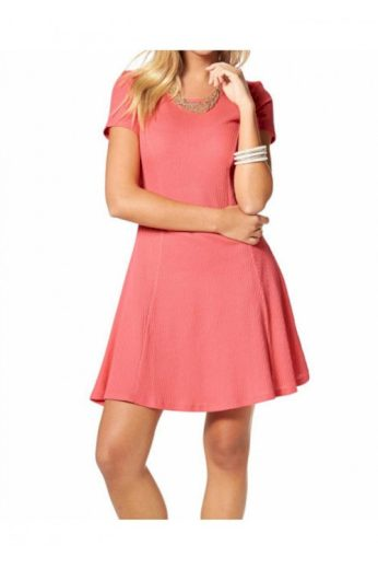 Jednoduché dívčí levné šaty, AJC