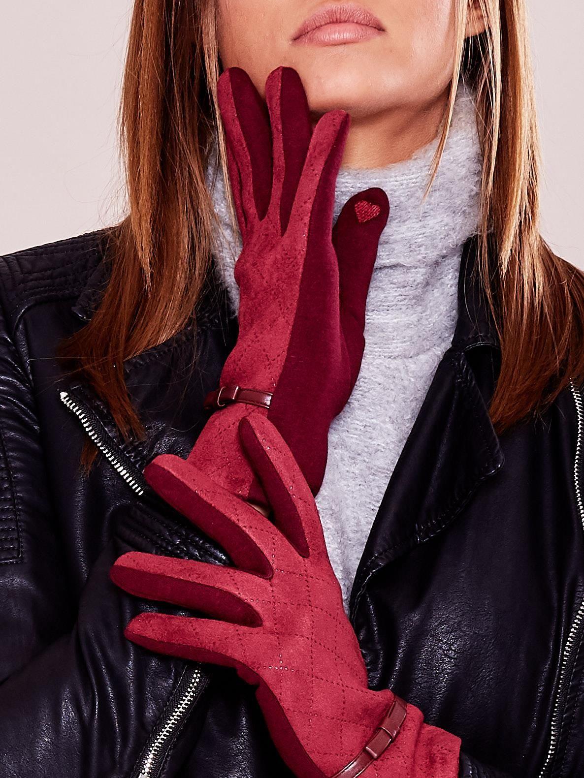 Teplé vínové rukavice s prolamovaným vzorem