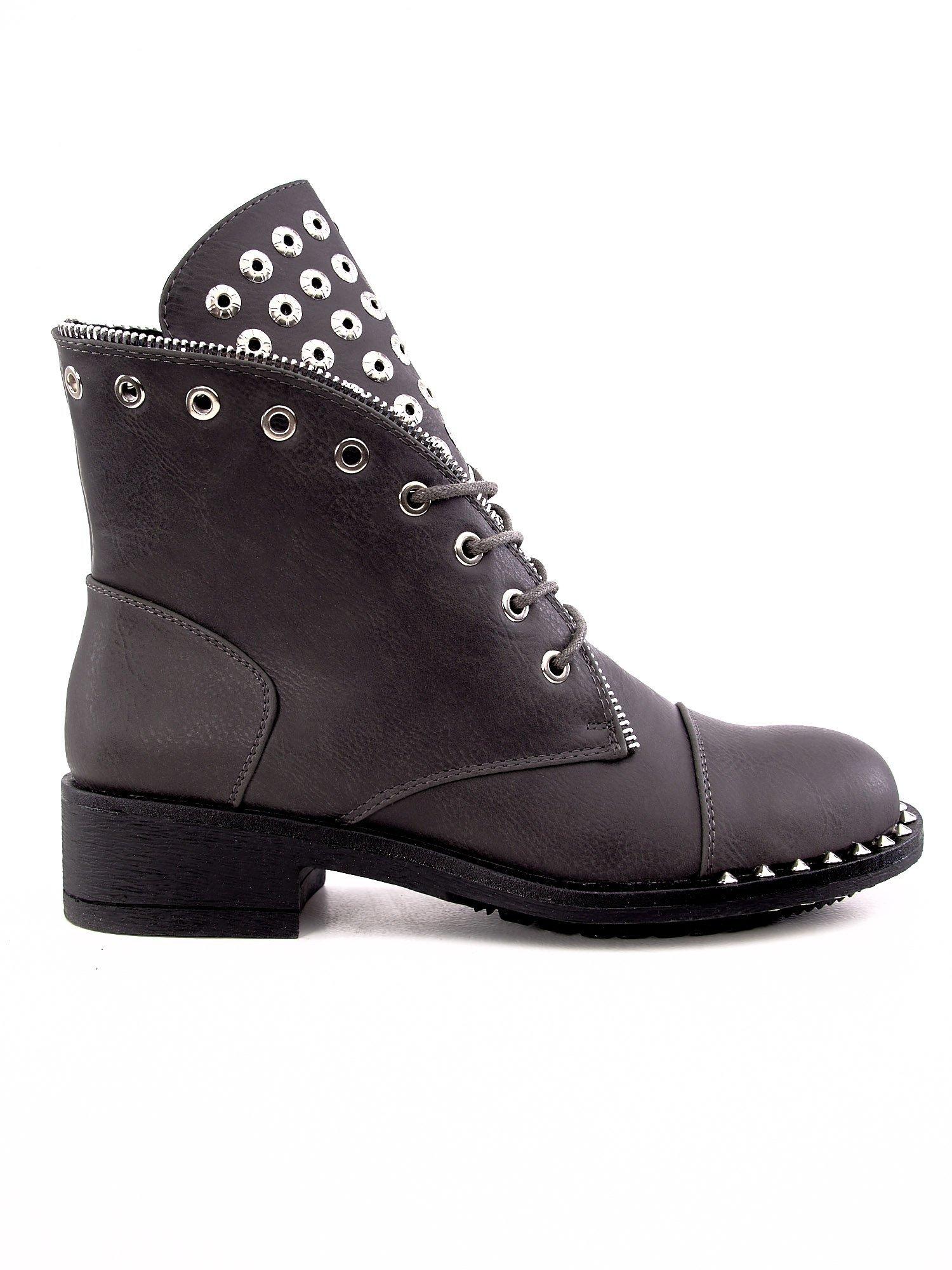Šedé boty s cvočky