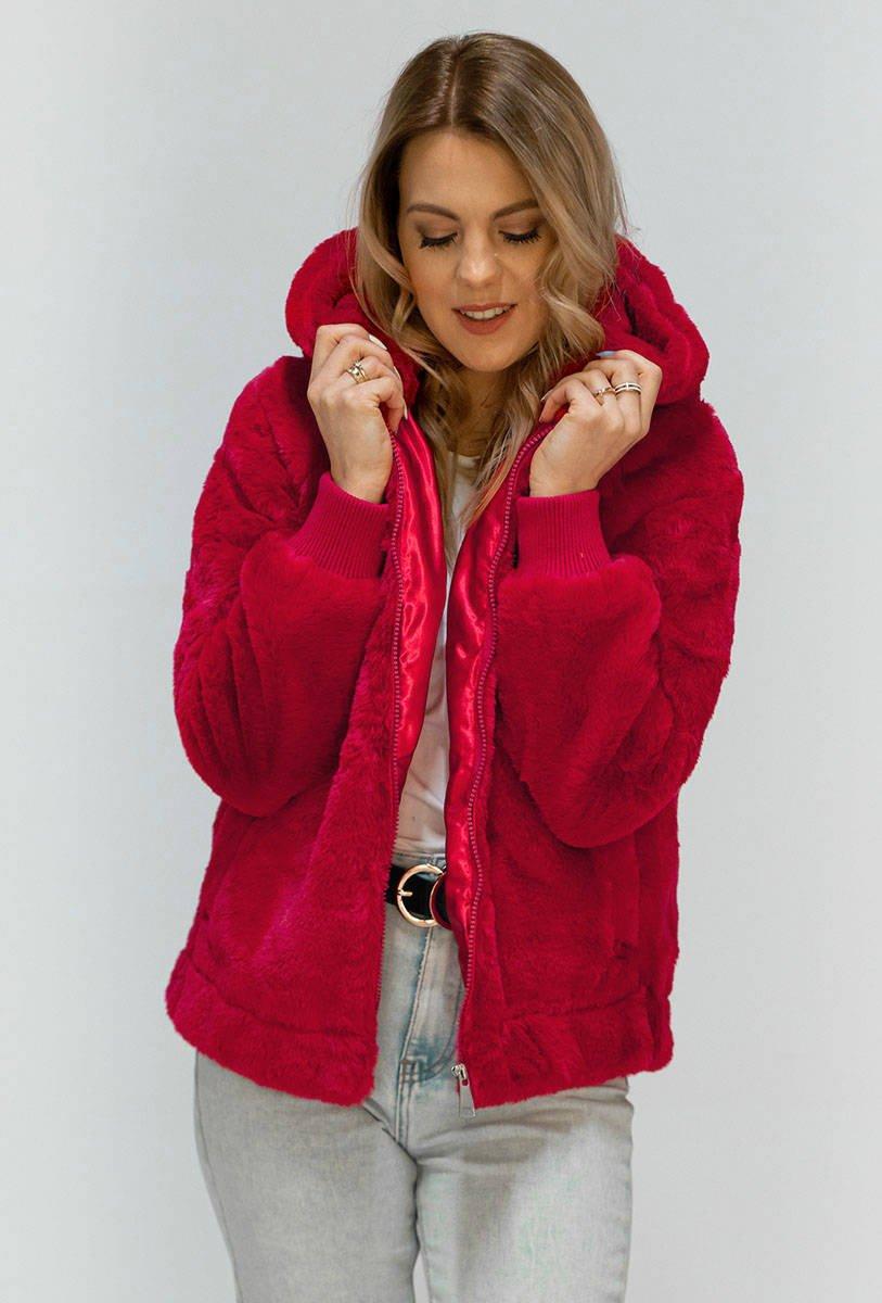 Červená plyšová bunda s kapucí (2019)