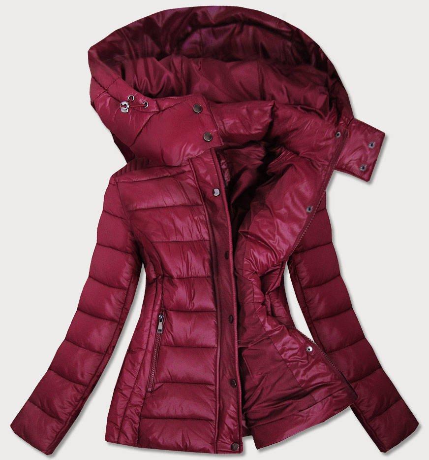 Dámská prošívaná bunda v bordó barvě s kapucí, kterou je možné odepnout (7560)