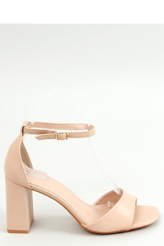 Sandály na podpatku  model 155664 Inello