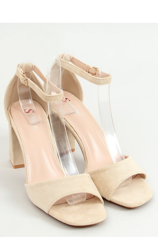 Sandály na podpatku  model 155667 Inello