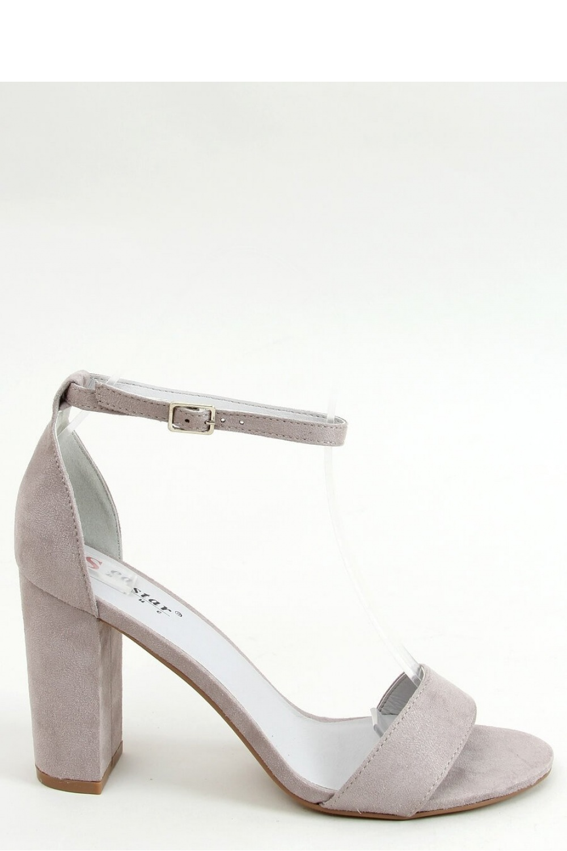 Sandály na podpatku  model 155689 Inello