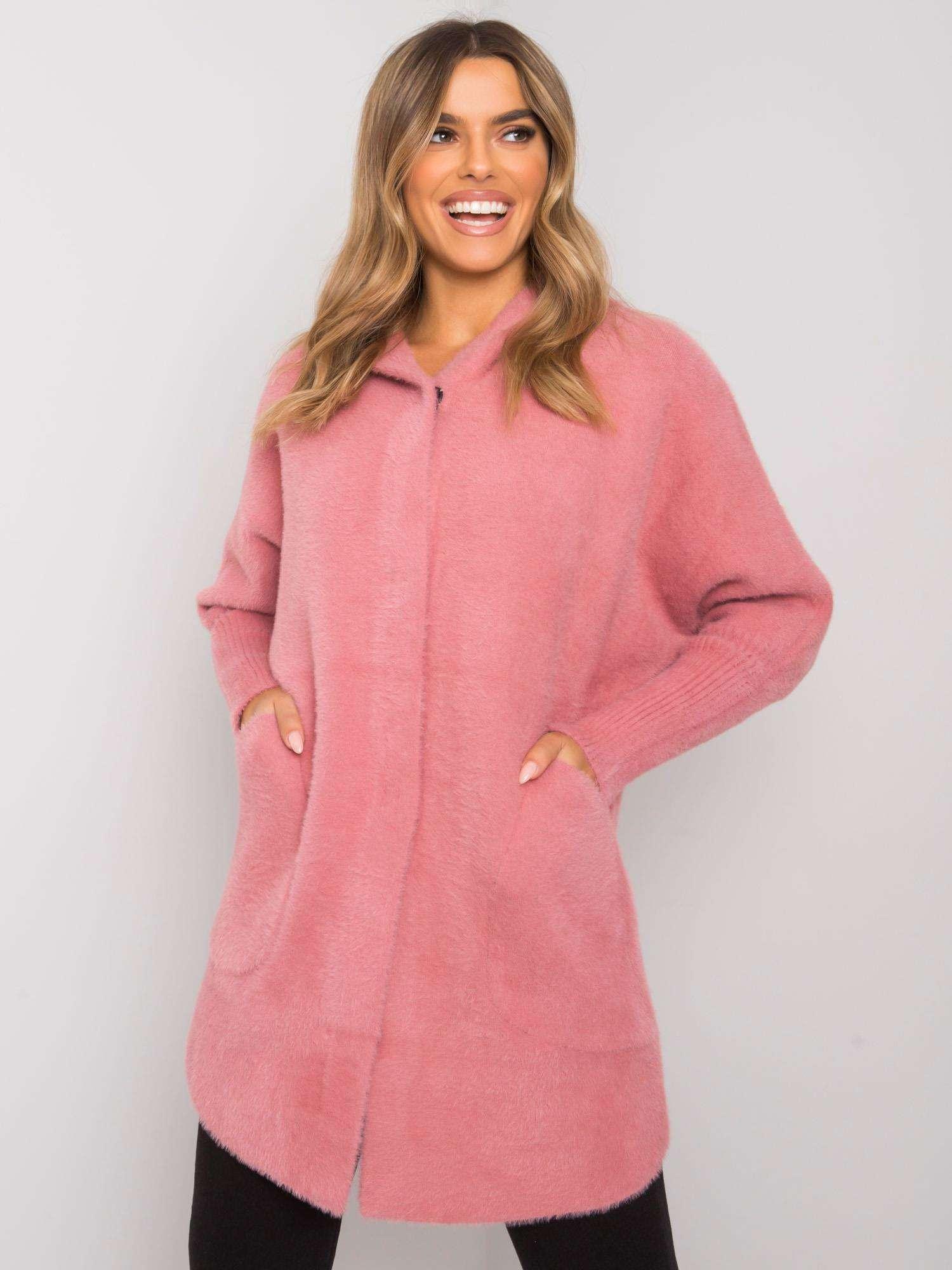 Růžový kabát z alpaky s kapucí