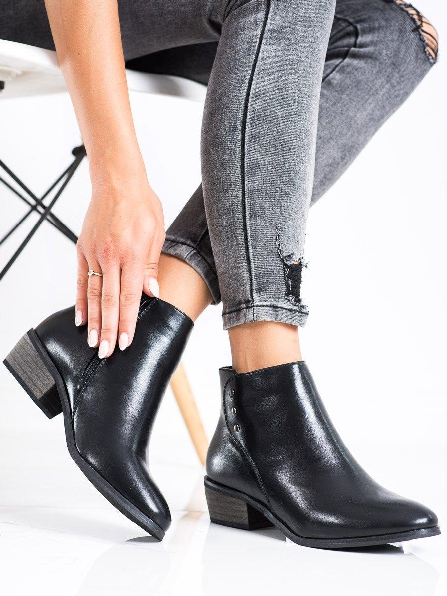 Módní dámské  kotníčkové boty černé na širokém podpatku