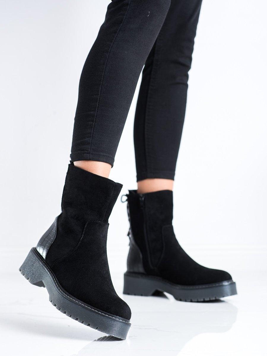 Výborné dámské  kotníčkové boty černé na plochém podpatku