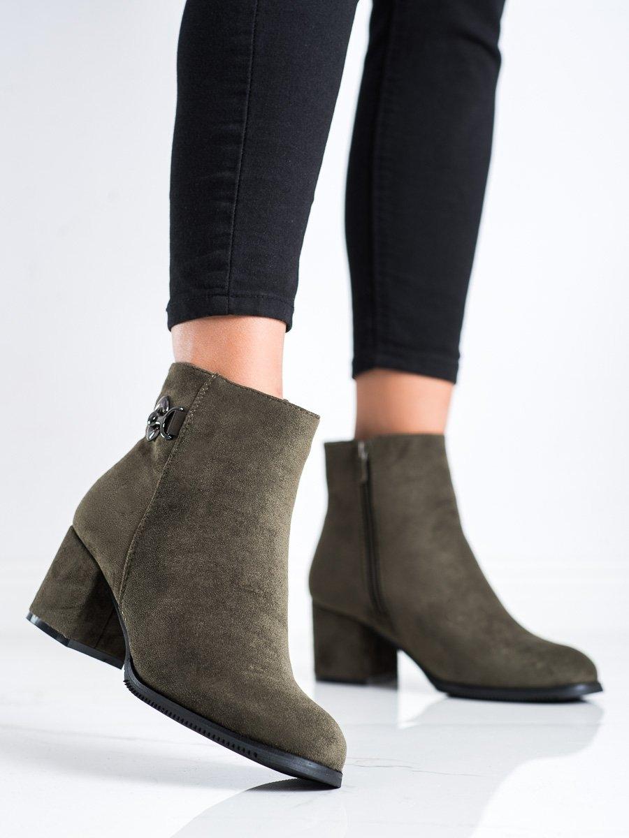 Pohodlné dámské zelené  kotníčkové boty na širokém podpatku