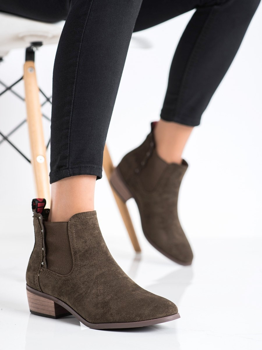 Jedinečné dámské hnědé  kotníčkové boty na širokém podpatku