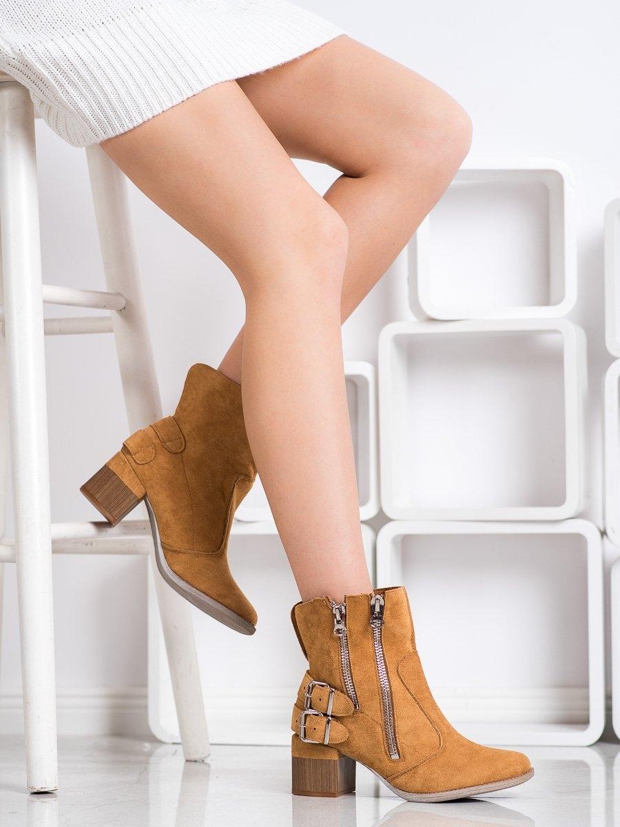 Klasické  kotníčkové boty hnědé dámské na širokém podpatku