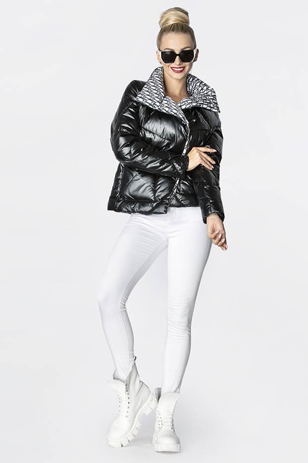Černá dámská bunda s leskem (OMDL-023)