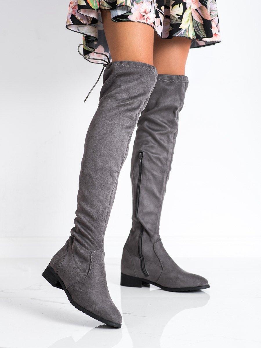 Módní šedo-stříbrné  kozačky dámské na plochém podpatku
