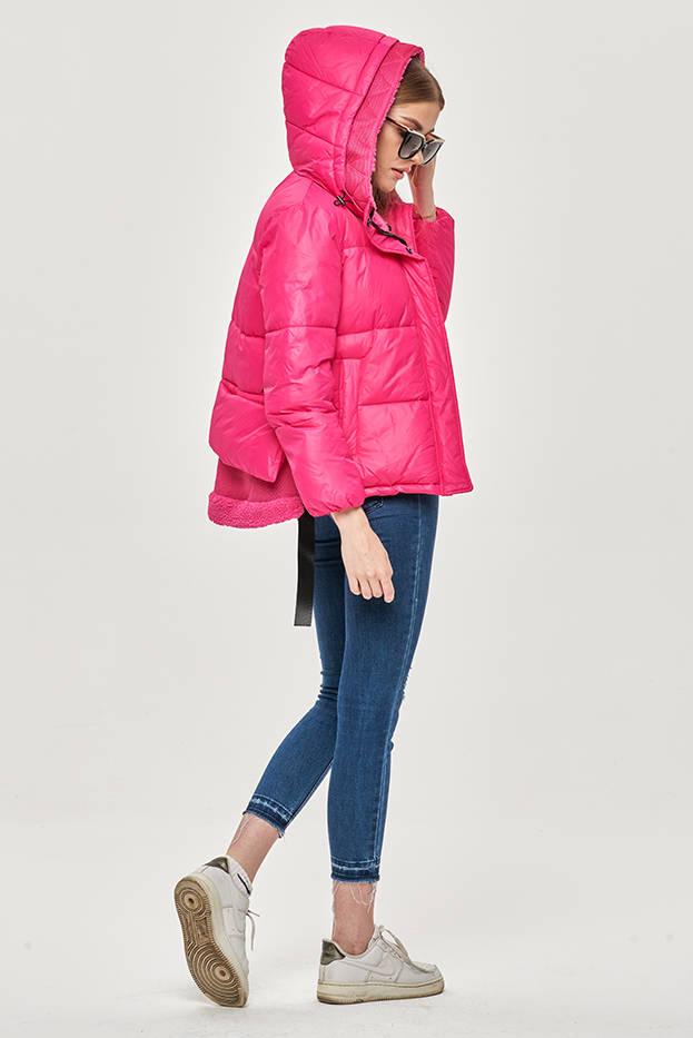 Krátká růžová dámská zimní bunda s kapucí (JIN211)