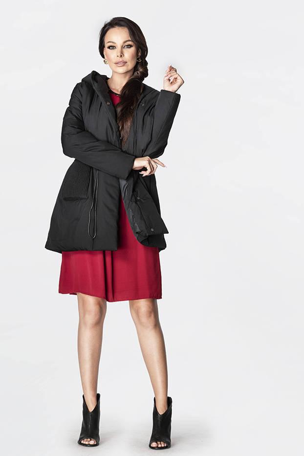 Černá dámská bunda s kapucí (HO-22)