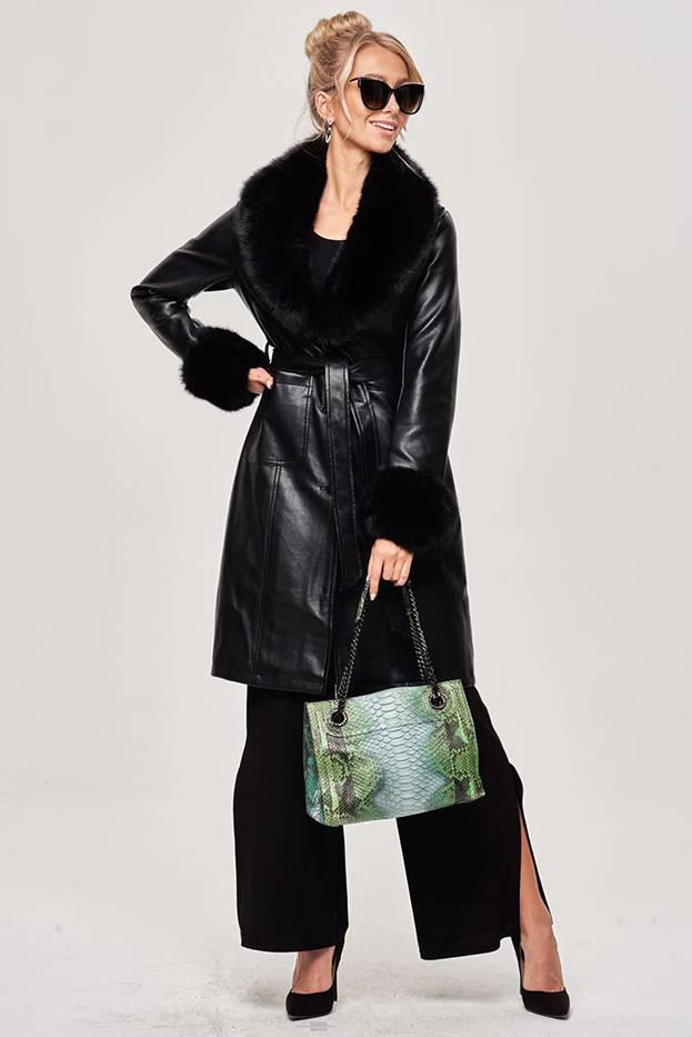 Černý dámský kožený kabát s kožešinovým límcem (OMDL-021)