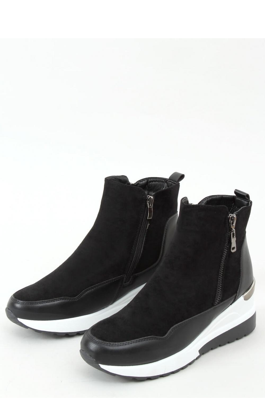 Sportovní obuv  model 157995 Inello