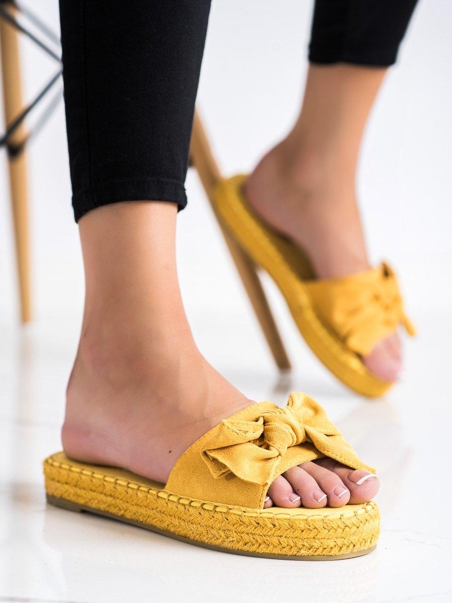 Trendy zlaté  nazouváky dámské bez podpatku