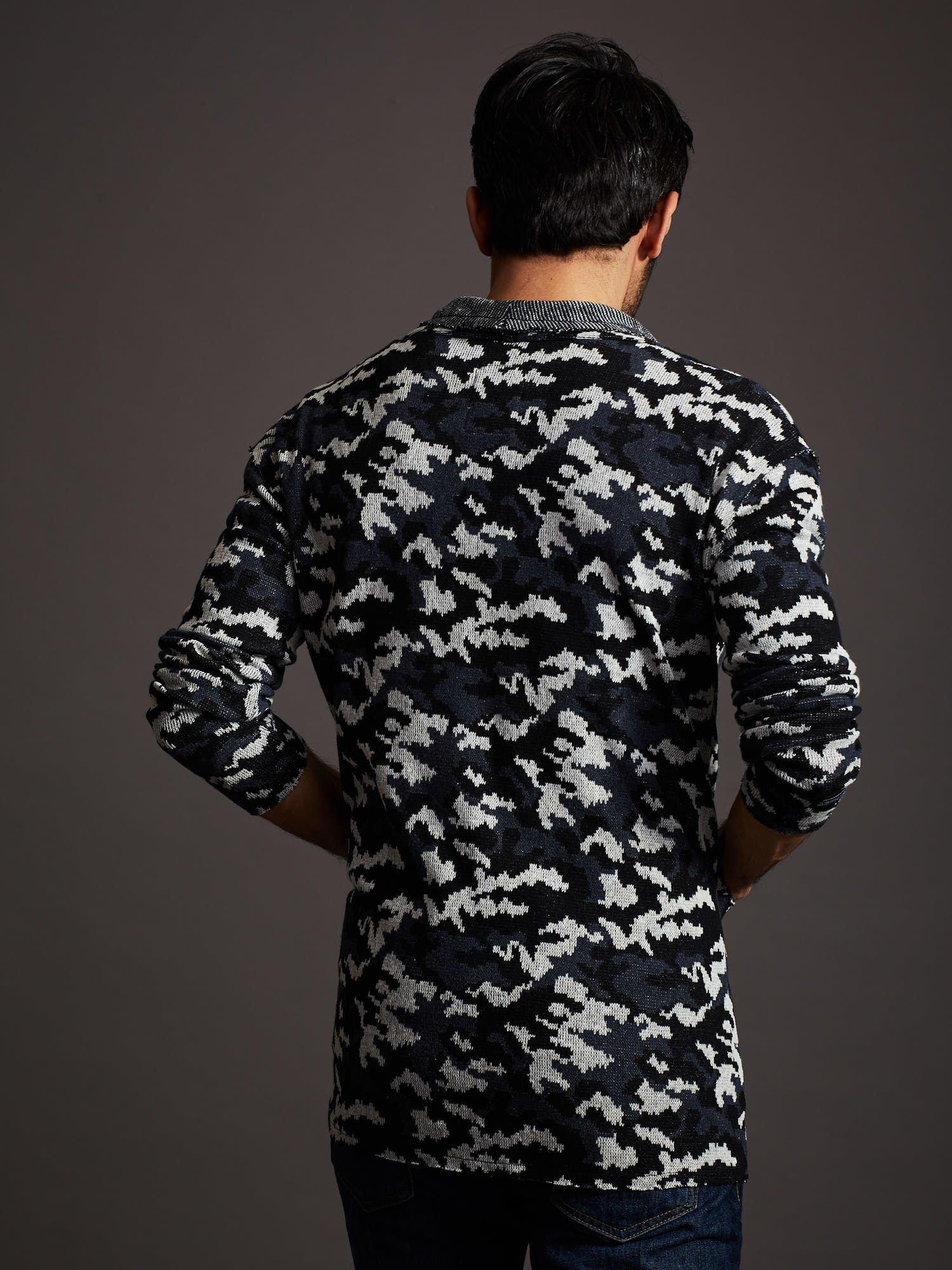 Pánský svetr s vojenskými modrými vzory
