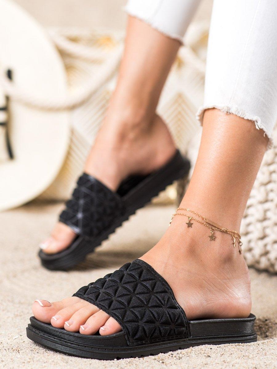 Stylové dámské  nazouváky černé bez podpatku