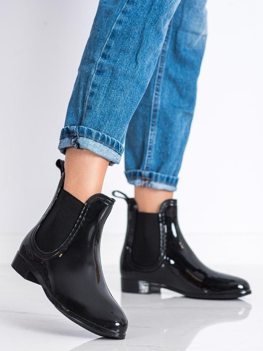Klasické dámské černé  gumáky na plochém podpatku