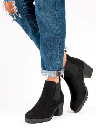 Klasické černé dámské  kotníčkové boty na širokém podpatku