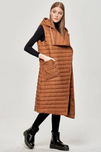 Dlouhá hnědá dámská prošívaná vesta (JIN219)