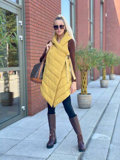 Dlouhá asymetrická dámská vesta v hořčicové barvě (735ART)