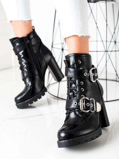 Krásné černé dámské  kotníčkové boty na širokém podpatku