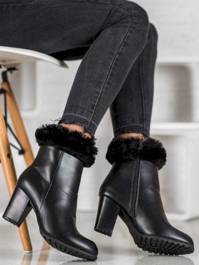 Luxusní  kotníčkové boty černé dámské na širokém podpatku