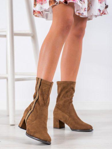 Praktické hnědé  kotníčkové boty dámské na širokém podpatku