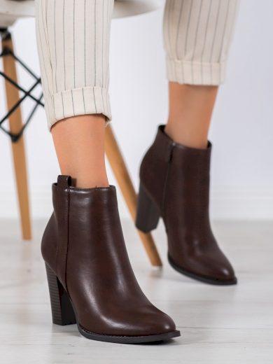 Módní dámské hnědé  kotníčkové boty na širokém podpatku