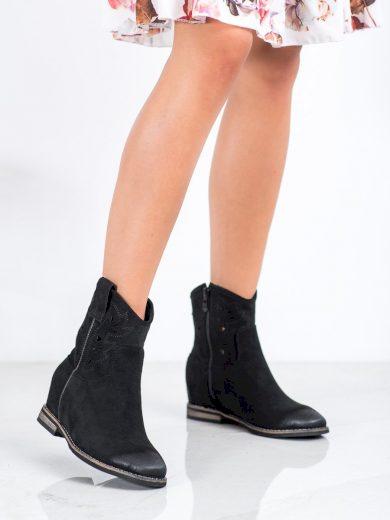 Krásné dámské  kotníčkové boty černé na klínku