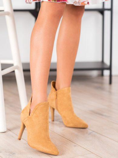 Jedinečné dámské  kotníčkové boty hnědé na jehlovém podpatku