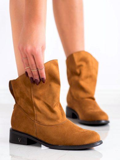 Komfortní dámské hnědé  kotníčkové boty na plochém podpatku