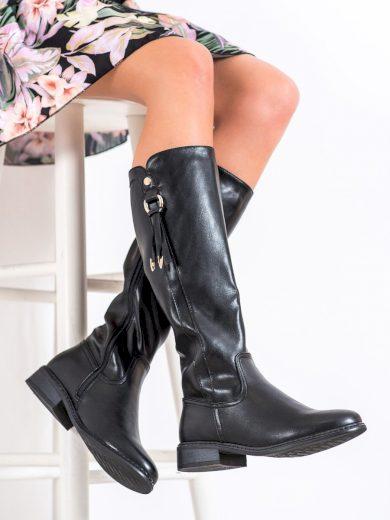 Klasické černé  kozačky dámské na plochém podpatku