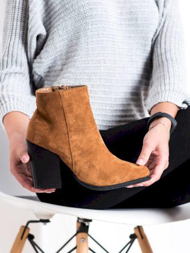 Trendy dámské  kotníčkové boty hnědé na širokém podpatku
