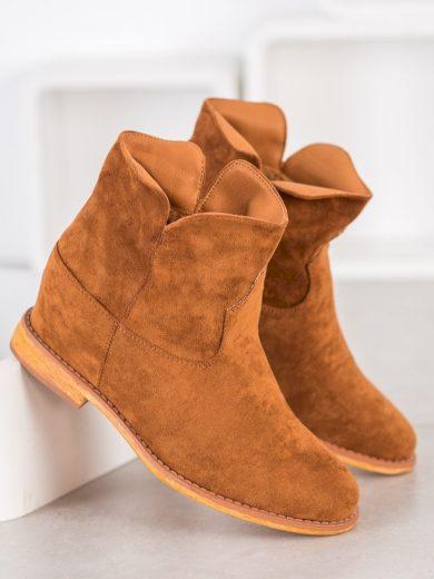Výborné hnědé dámské  kotníčkové boty na klínku