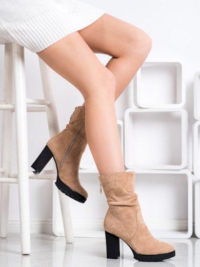 Pohodlné  kotníčkové boty hnědé dámské na širokém podpatku