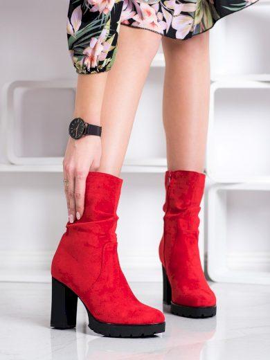 Krásné  kotníčkové boty červené dámské na širokém podpatku