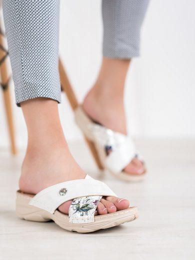 Zajímavé dámské  nazouváky bílé bez podpatku