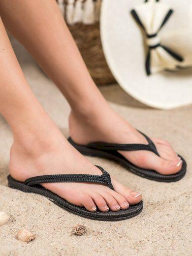 Moderní černé dámské  nazouváky bez podpatku