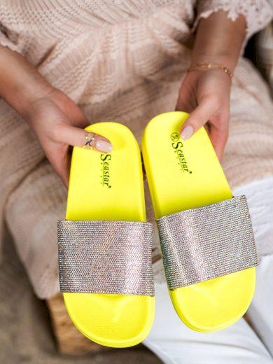 Módní dámské zlaté  nazouváky bez podpatku