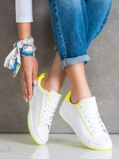 Komfortní dámské  tenisky bílé bez podpatku
