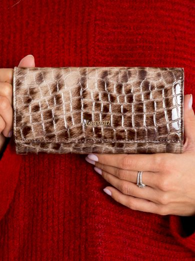Lakovaná peněženka hnědá 72401 - FPrice