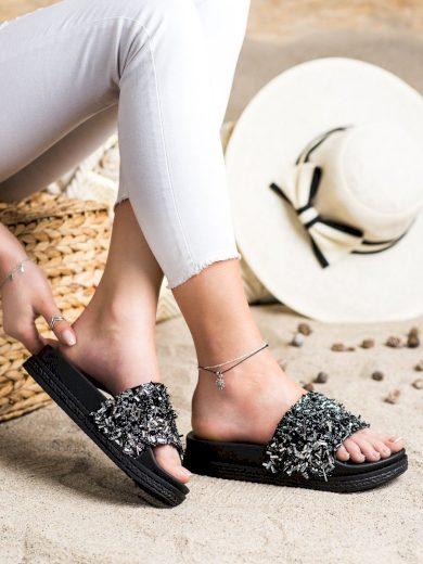 Krásné černé  nazouváky dámské bez podpatku