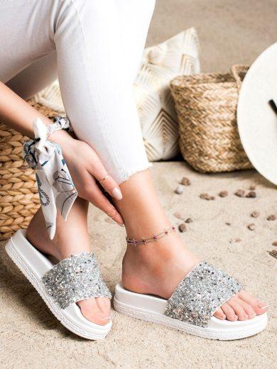 Pohodlné dámské bílé  nazouváky bez podpatku