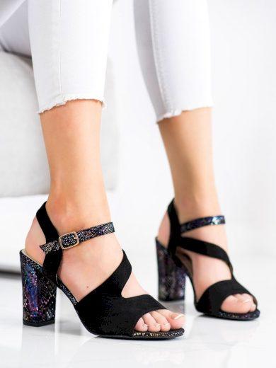 Výborné  sandály dámské černé na širokém podpatku